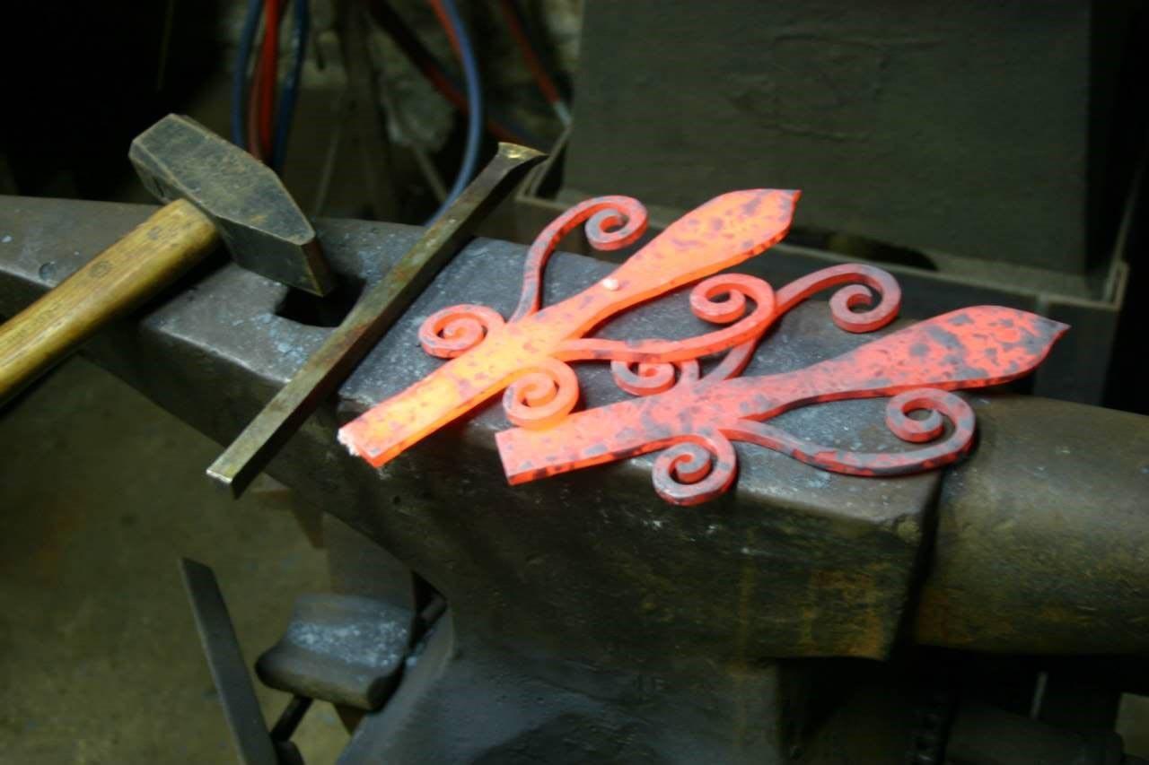 Материал ковки для ворот